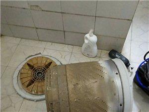 洗衣机深度清洗中