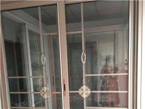 制作各种门窗,纱窗,阳光房