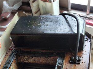 专业清洗油烟机  热水器  地暖
