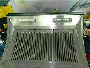 專業專職清洗  油煙機 太陽能  熱水器。