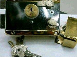 修开换锁,安锁