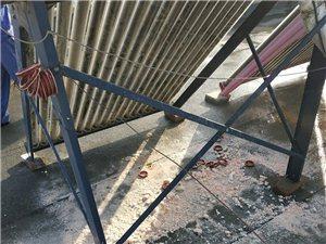 专业维修及清洗太阳能油烟机电热水器