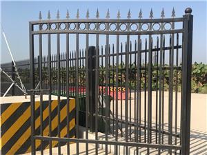 鹤山锌钢围墙栏杆 院墙栏杆厂家生产 可提供安装
