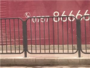 裝車市政道路護欄鋅鋼公路護欄馬路隔離欄廠家專業定做
