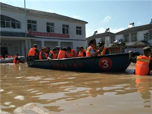 """""""抢大险·救大灾""""—罗汉寺200余名村民被困,月亮湖大队抢险救援"""