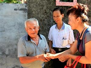 癌症无情,人有情!何氏公会兄妹为博鳌镇北岸村患癌兄弟献上爱心
