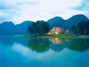 国庆出游哪里最好玩?云漫湖