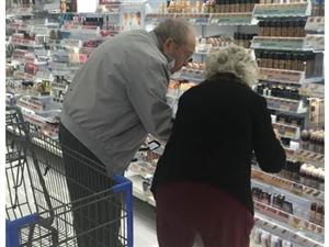 我羡慕的不是风华正茂的情侣,而是搀扶到老的夫妻