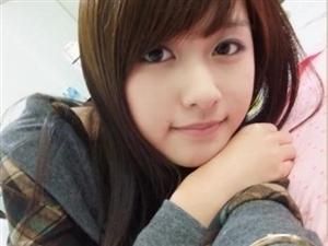 小王 29岁 天秤座 服装设计师