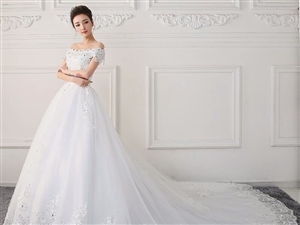 最美的婚纱礼服!!!!留下最美的瞬间!!!赫拉嫁衣礼服馆
