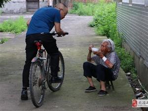 """严强华:""""自行车书记""""的三年扶贫路"""