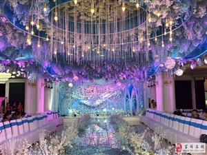 富顺县旗袍艺术协会十一期毕业活动昨日在安吉斯酒店举行