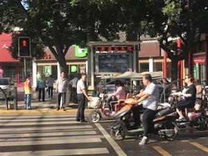 合阳县发改局:文明交通志愿者,城市靓丽风景线