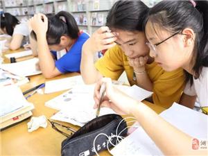 """暑期高温,湖口县图书馆成学生""""充电""""好去处!"""