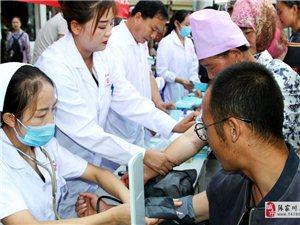 县妇幼保健计划生育服务中心走进乡镇宣传母乳喂养