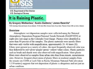 美国落基山脉下塑料雨