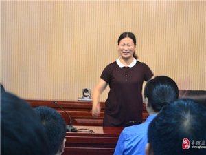 跟着老师学唱歌