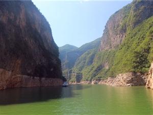 小三峡的环境好美丽