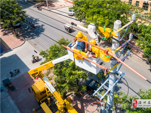 河南滑县:不停电接线确保持续供电