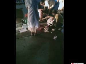 南康�B城�t�G�舾浇��l生一起交通事故,一女子倒地…