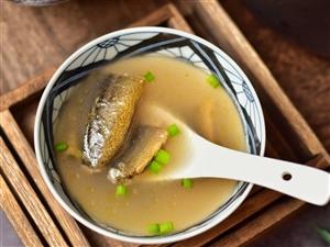 【美食DIY】宝宝脾胃虚、出汗多、易起痱、要多喝这道汤...