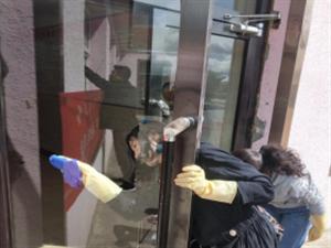 """正蓝旗民政局开展""""暖心服务""""进社区活动"""