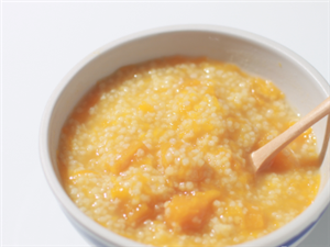 【美食DIY】南瓜小米粥,不但刮油减肥,还可以养胃,苗条健康就靠一碗营