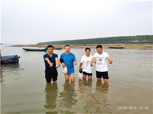 重大发现:枝江松滋两地泳友发现长江松滋口水域超大天然游泳场