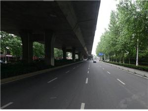 合肥市金寨路高架与日本东京市高架的对比!