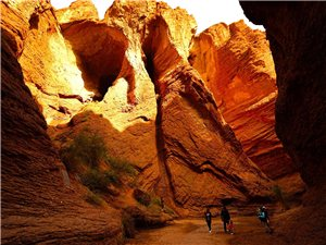 新疆自驾游(七)天山大峡谷、塔克拉玛干沙漠公路