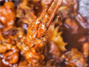 小�探店丨潢川�@家蒙古包里的土家菜,�H一道菜就能吃到�!