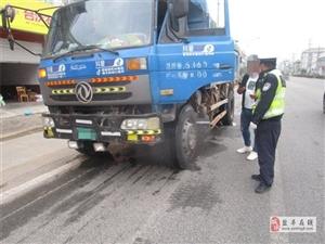 交警大队两河中队常态化开展变型拖拉机违法行为专项整治