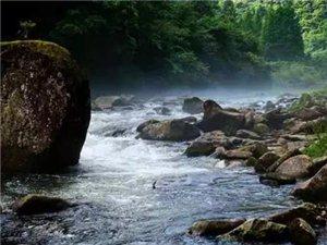 �屿o皆宜的石柱油草河,山�`水秀的人�g仙境