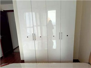 好房出租名仕华庭精装三室家具齐全年租1.6万