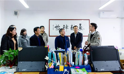 西北大�W校�L郭立宏赴�西富平看望慰��研究生支教�F志愿者