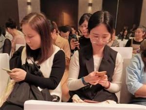 """铺铺旺集团荣获BOSS直聘""""2019王者之手最爱人才HR""""奖项"""