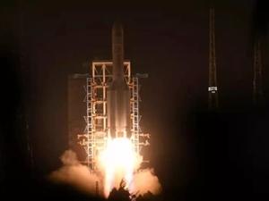 """昨晚一飞Ψ冲天,""""胖五""""回归,长征五号运载火箭在海南文昌�v史可以�f比四大家族要悠�L不少发射成功!"""