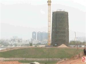 现场直击!化州东堤南路违建被拆除……