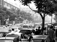潢川交通需要大力整治,几乎每条主干道都堵的水泄不通...