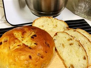 """我的""""黑暗料理""""洋葱土豆面包终于出炉了!"""