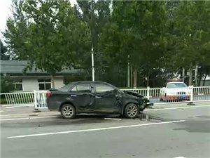 冀州一司机横冲直撞,路中间10多米护栏毁于一旦!