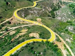石峁有这样一条路,穿越历史,阅尽壮美的自然风光