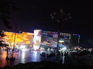 亚博体育福利版下载莲花山广场越来越热闹了