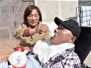 霍邱邵岗乡一女子精心照顾植物人丈夫7年,奇迹终于发生了