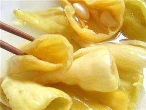湖北大冶的金柯辣椒,加工腌制后更加爽脆可口,是下饭的好菜!