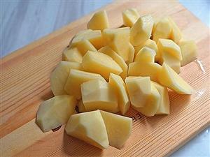 【原��】美味又�I�B的土豆�貘�肉。