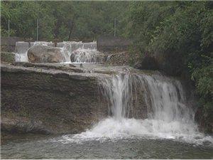 青州连日降雨石门泉景区再现流泉飞瀑