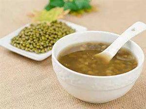 三伏天:喝�G豆���是姜��茶?