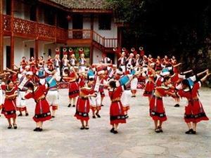 ���蜞l�M�居民唱土家歌,跳土家舞