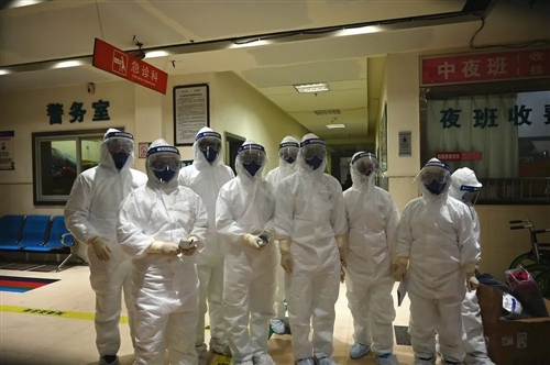 欣喜!我县11名新冠肺炎患者在南昌治愈出院!暖心!县长运公司主动护送回鄱!